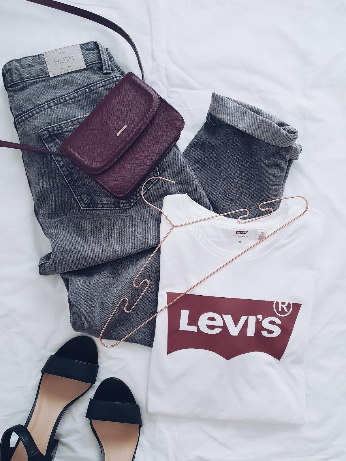 Levi's t-shirt & mom jeans czyli ponadczasowa klasyka i strój dnia