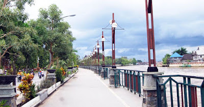 Wisata Banjarmasin - Taman Siring Sungai Martapura