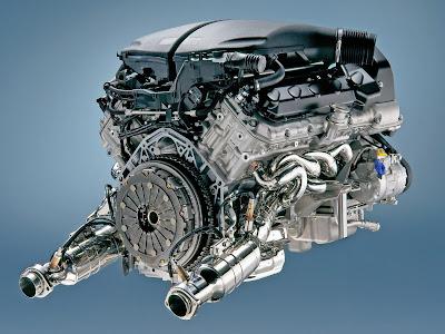 Motore V10 5 litri BMW M5 da 507cv