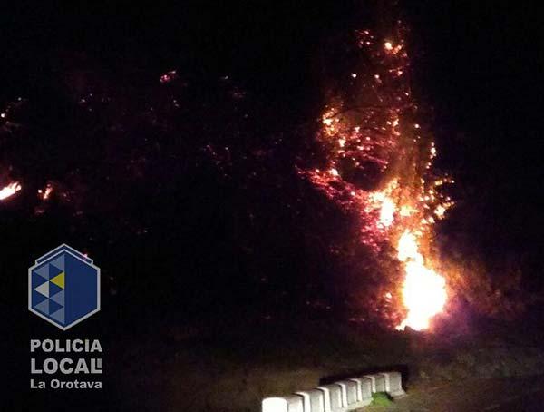 Ya se han dado por controlados dos conatos de incendio en La Orotava /  Fotos: Policía Local La Orotava