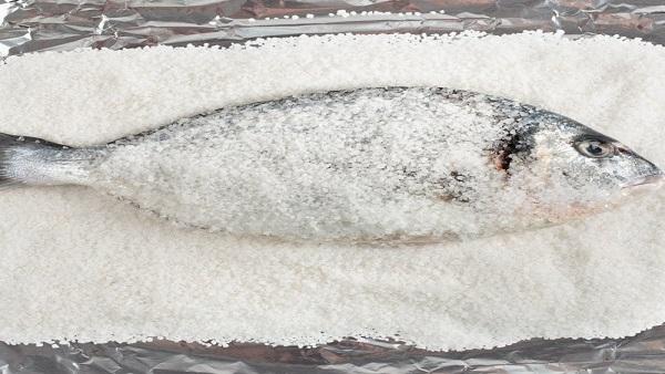 صينية سمك على الطريقة الإيطالية