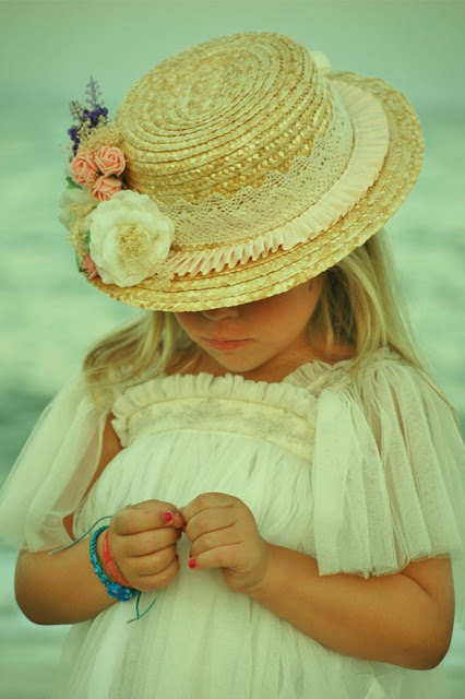 #canotier #niña #MonAir #complementos #modaceremonia #pequeñafashionista