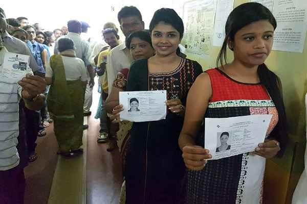 Goa Poll 2017: शाम तक 83 फ़ीसदी मतदान, उसके बाद भी लगी रही लम्बी लाइनें