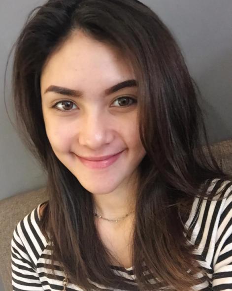 Profil Biodata Moniq Crasivaya Terbaru