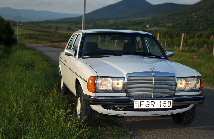 Daily Turismo: 5k: 1983 Mercedes-Benz 230E 4-spd Manual in Hungary