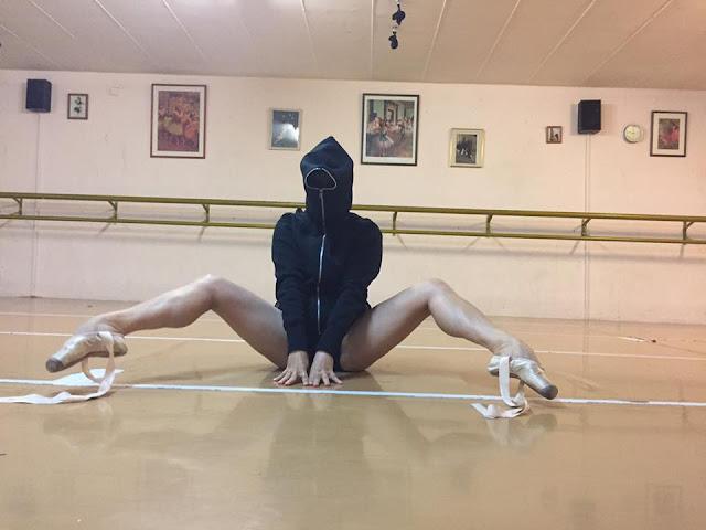 Ballerina ultra sexy legs