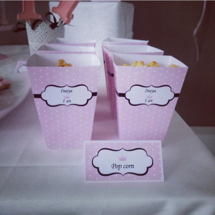 boite de pop corn rose à pois avec couronne
