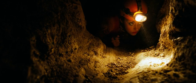 The Descent (2005) UnRated Full Movie [English-DD5.1] 720p BluRay ESubs Download - ExtraMovies