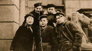 Μικροι Ηρωες Απο Το Γκετο Της Βαρσοβιας | Online Ντοκιμαντέρ με ελληνικους υποτίτλους