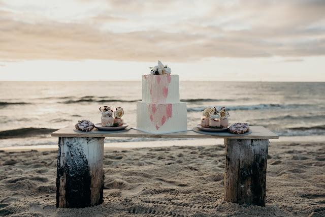 TO THE AISLE AUSTRALIA BESPOKE WEDDING CAKES MELBOURNE