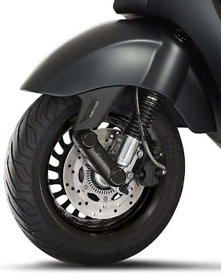 Vespa 946 Emporio Armani  front wheel