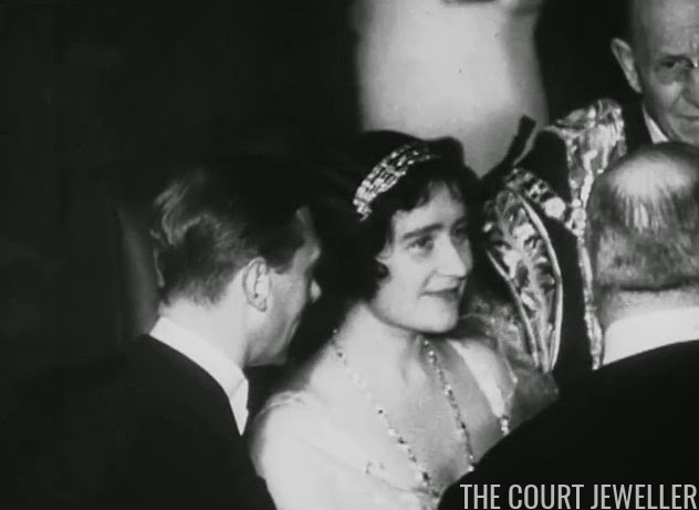 A Wedding Tiara For Eugenie The Court Jeweller - Queen Mother S Art Deco Bandeau Tiara