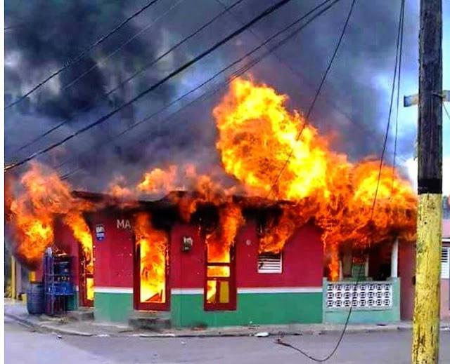Lo último: Hombre borracho le prende fuego a dos viviendas