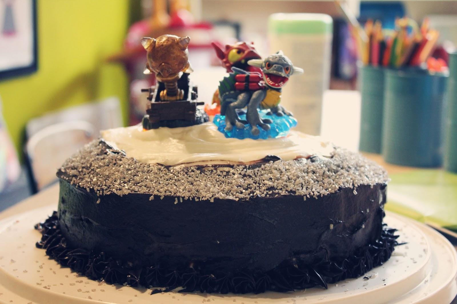sassafras: skylander giant cake :: cake decorating