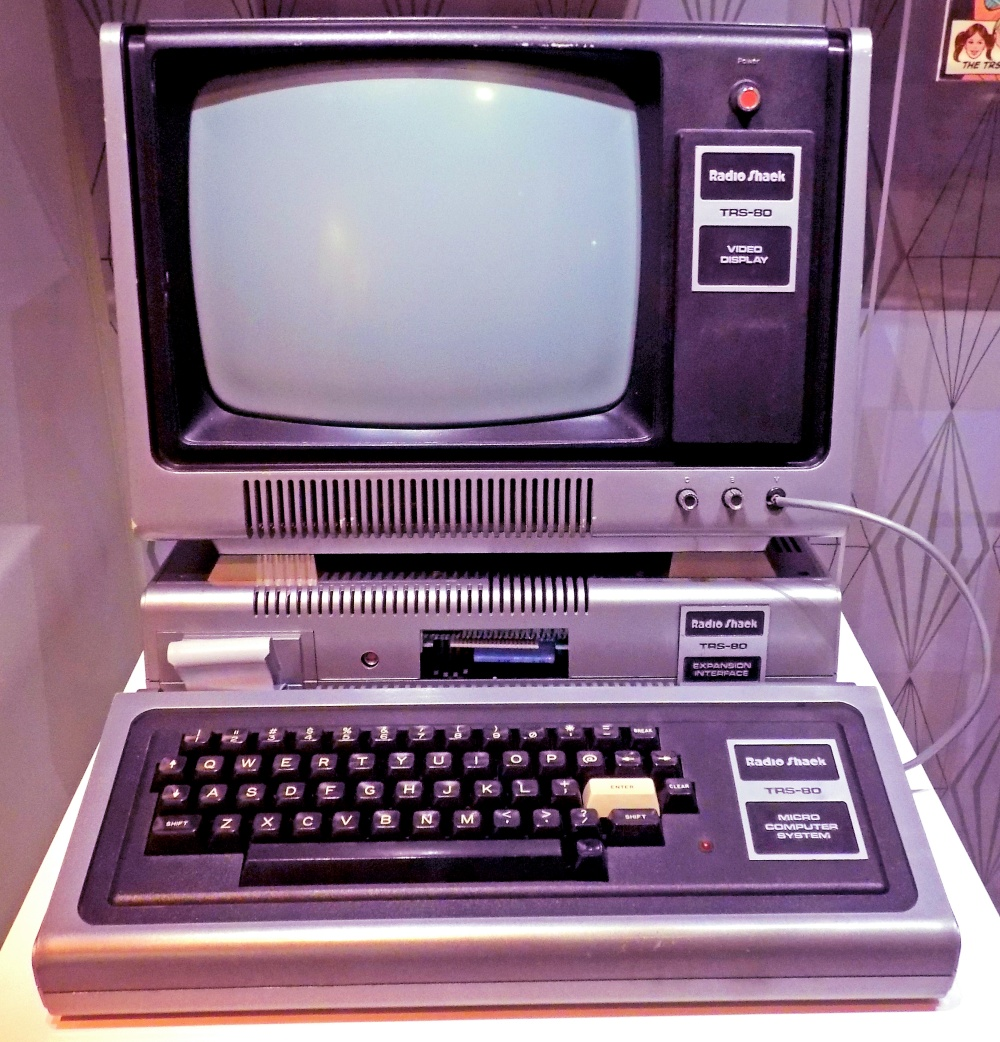Retromobe - retro mobile phones and other gadgets: TRS-80