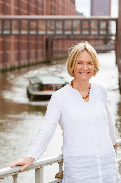 Heute ein Buch! Kinderbuchautorin Kirsten Boie im Interview: Warum das Lesen und das Leben schön sein sollten. Kirsten Boie setzt sich für das Recht auf Lesen ein.