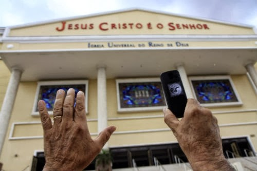 Unção do celular pela Igreja Mundial