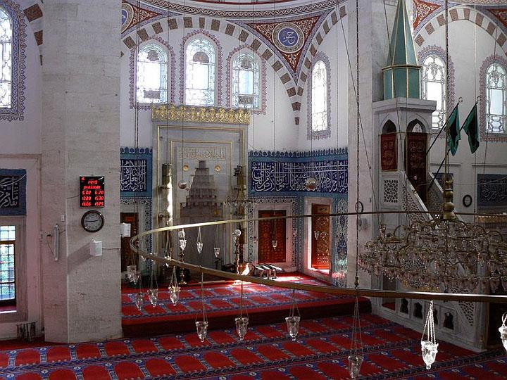istanbuldaki camilerin içine ait görsel resimler