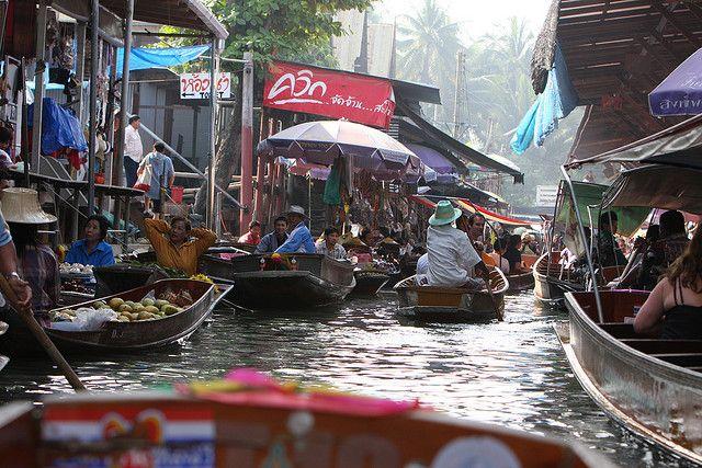 Bang Nam Phueng floating market thailand