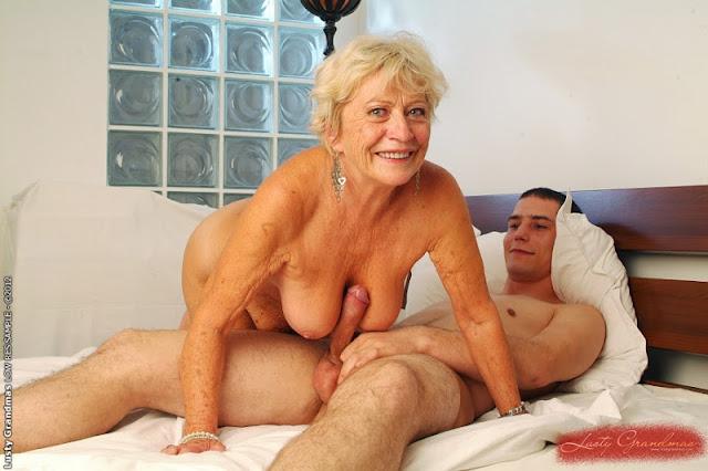 в постели со старушками смотреть ролики - 1