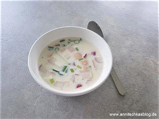 Rezept: Akroshka - kalte, russische Sommersuppe