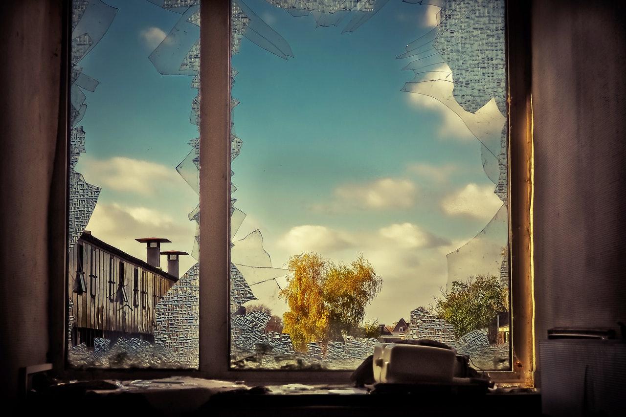 Teoria rozbitych okien w pracy rzecznika prasowego