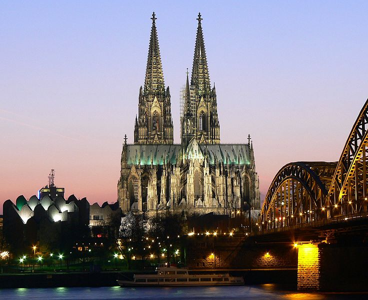 The Rhine River bisects Germany's fourth largest city—Cologne or Köln with spectacular views of the Cologne Cathedral (Kölner Dom). Photo: WikiMedia.org.