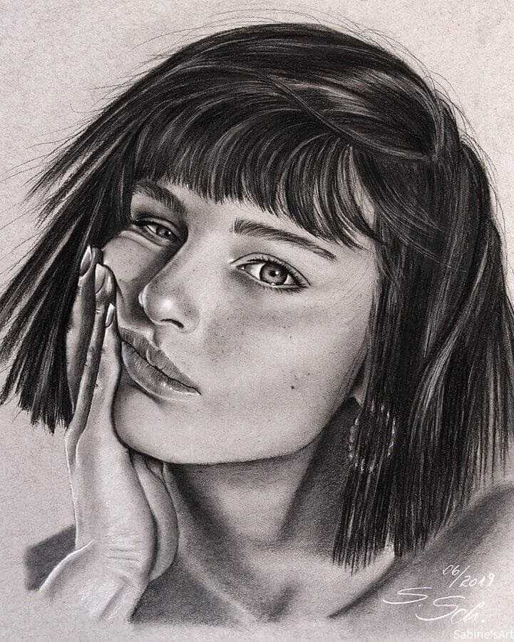 04-Alice-Pagani-Sabine-S-Charcoal-Portraits-Realistic-Drawings-www-designstack-co