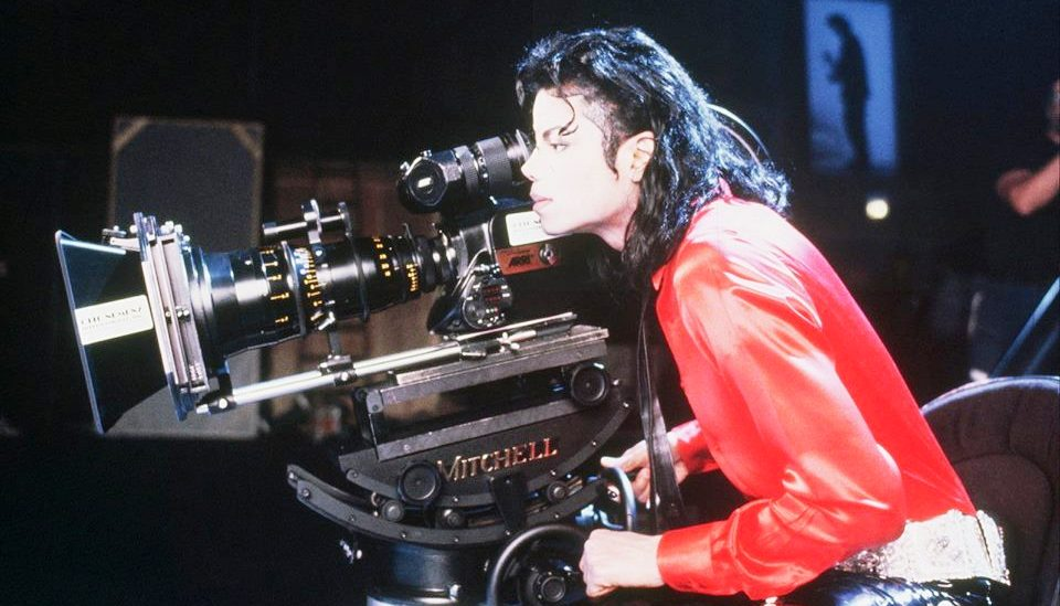 michael girls Lyrics to the girl is mine song by michael jackson: every night she walks right in my dreams since i met her from the start i'm so proud i am the only o.