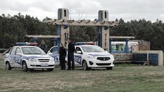 """La justicia uruguaya realiza una serie de procedimientos en """"El Entrevero"""", el campo propiedad del empresario santacruceño que es investigado por lavado de dinero. Una jueza uruguaya pedirá informes a Casanello."""
