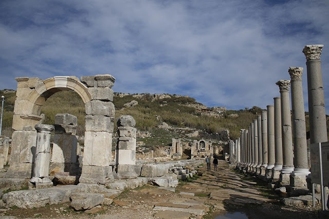 Over 70 pct of ancient Greek city of Perga in southern Turkey still underground