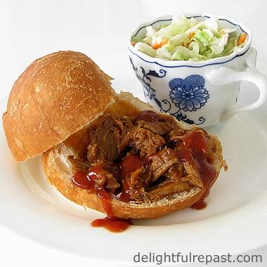 Pulled Pork Sandwich / www.delightfulrepast.com