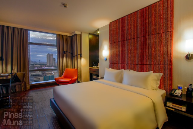 Deluxe Room at at Mercure Manila Ortigas