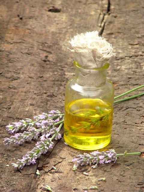 recette pour fabriquer un produit apaisant contre les piqüres d'insectes
