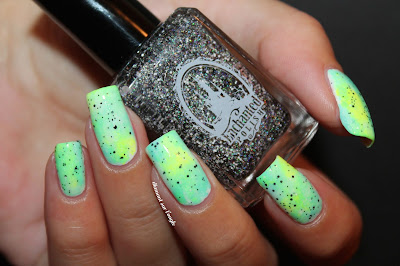 green // mint gradient neon nail art