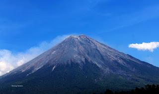 gambar gunung-semeru