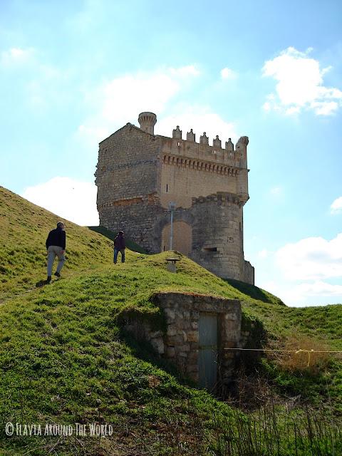 Torreón de lo que antes fue un castillo en Tierra de Campos