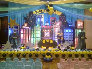 dekorasi panggung menggunakan balon dan styorofom untuk acara ulang tahun