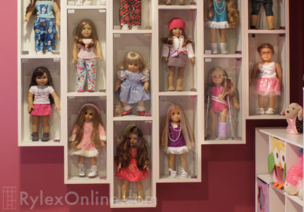Merveilleux Wall Mounted Display Cases Allow You To Customize And Configure Your  American Girl® Doll Collection To Accommodate Any Number Of Dolls.