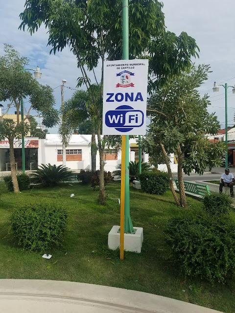 Alcalde Jaime Camilo  deja abierta red Wifi gratis en parque Duarte