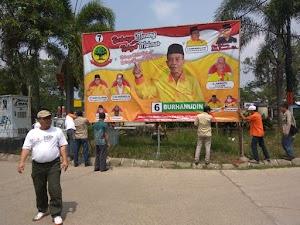 Bawaslu Kabupaten Tangerang Copot Baliho Caleg yang Terpasang Liar