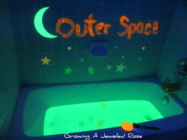 OUTER SPACE BATH: full of magical imaginative & sensory play- this bath let's little ones escape to Outer Space while swimming in a tub of GLOWING bath water!