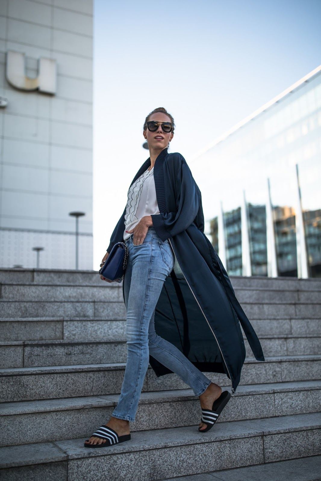 blue kimono over jeans outfit