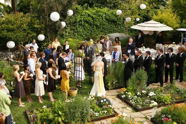 Awetya: Images Planning An Outdoor Wedding Reception