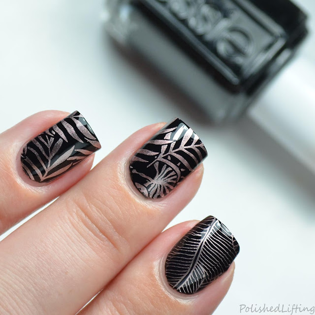 metallic tropical leaves nail art