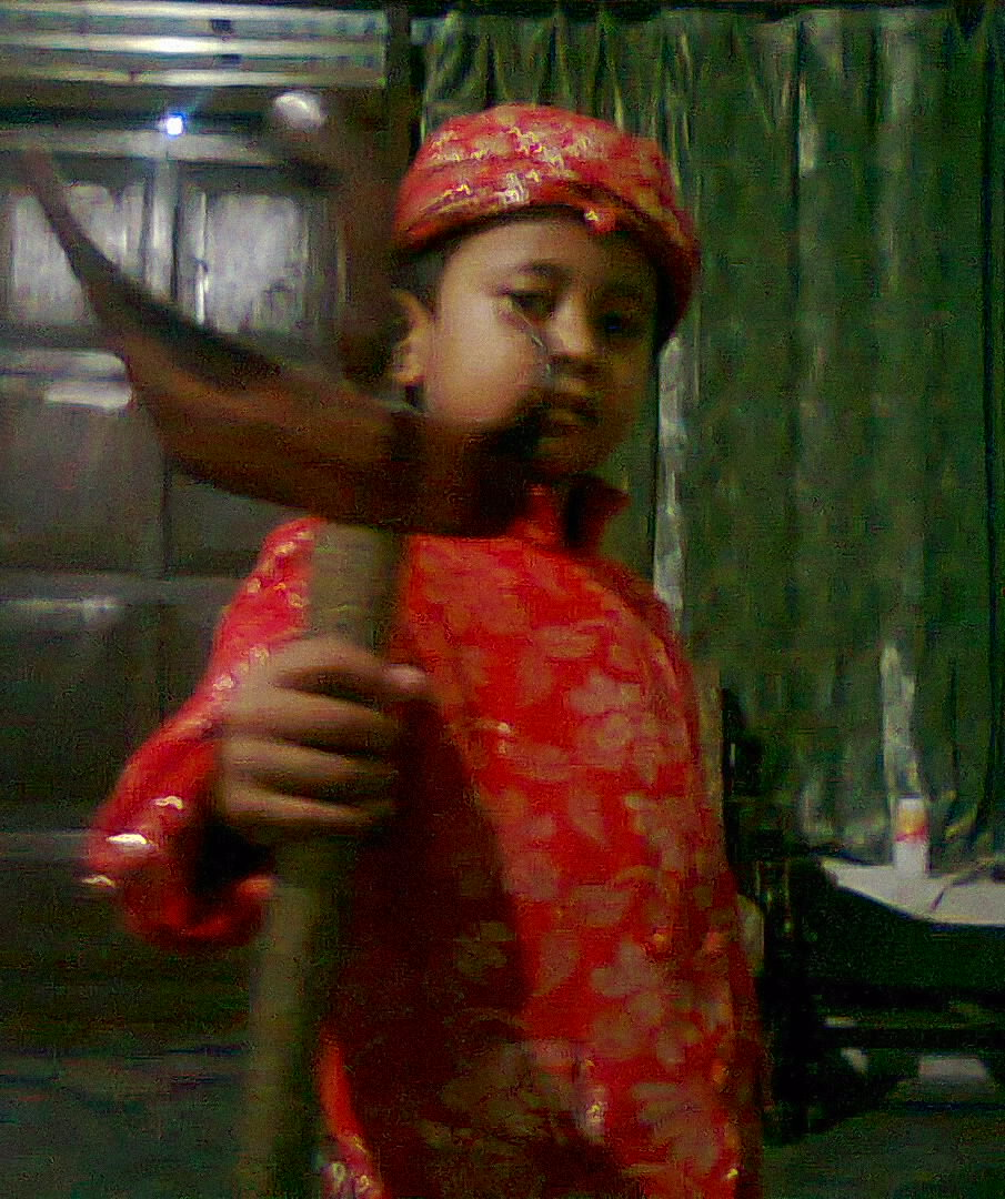 ANAK AND ME Foto Anak Kecil Bergaya Lucu Dengan Pakaian Adat