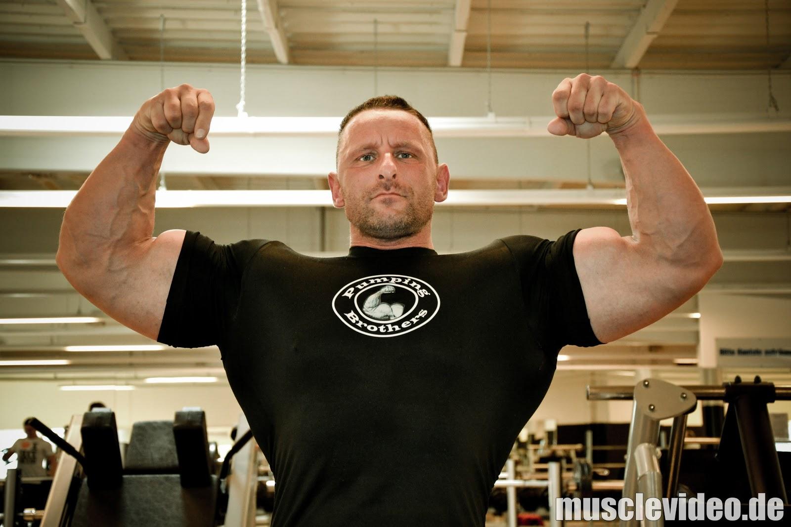 Muscle Lover: German Master bodybuilder - Steffen Gerhard