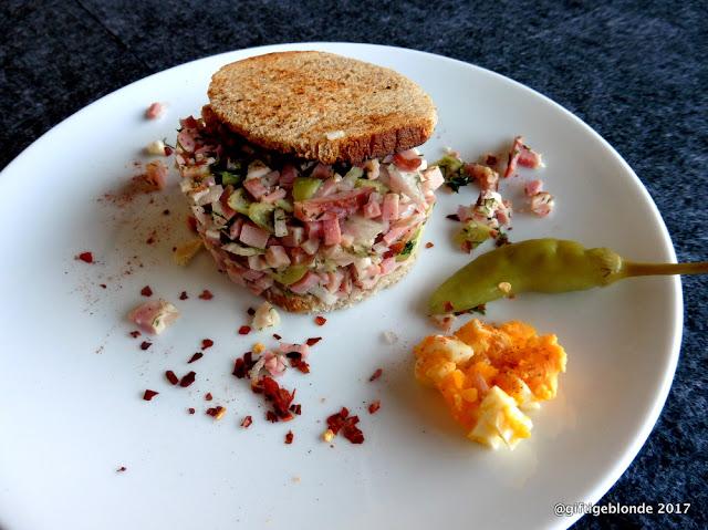 Salat aus geräuchertem Schweinefleisch