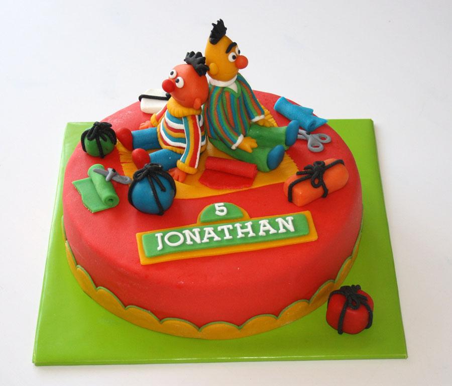 taart bert en ernie Wollie's World of Cakes: Bert en Ernie taart! taart bert en ernie