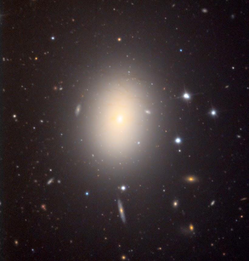 charged black hole - photo #43